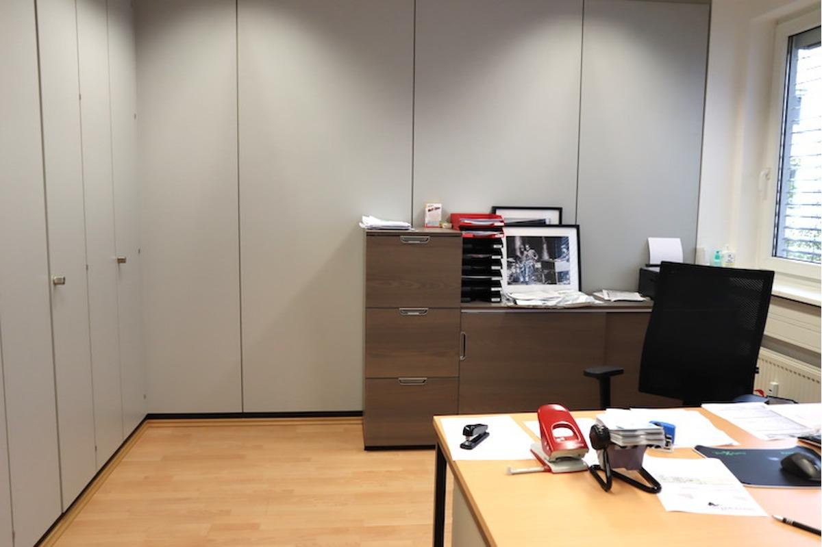 Büro-Einbauschränke