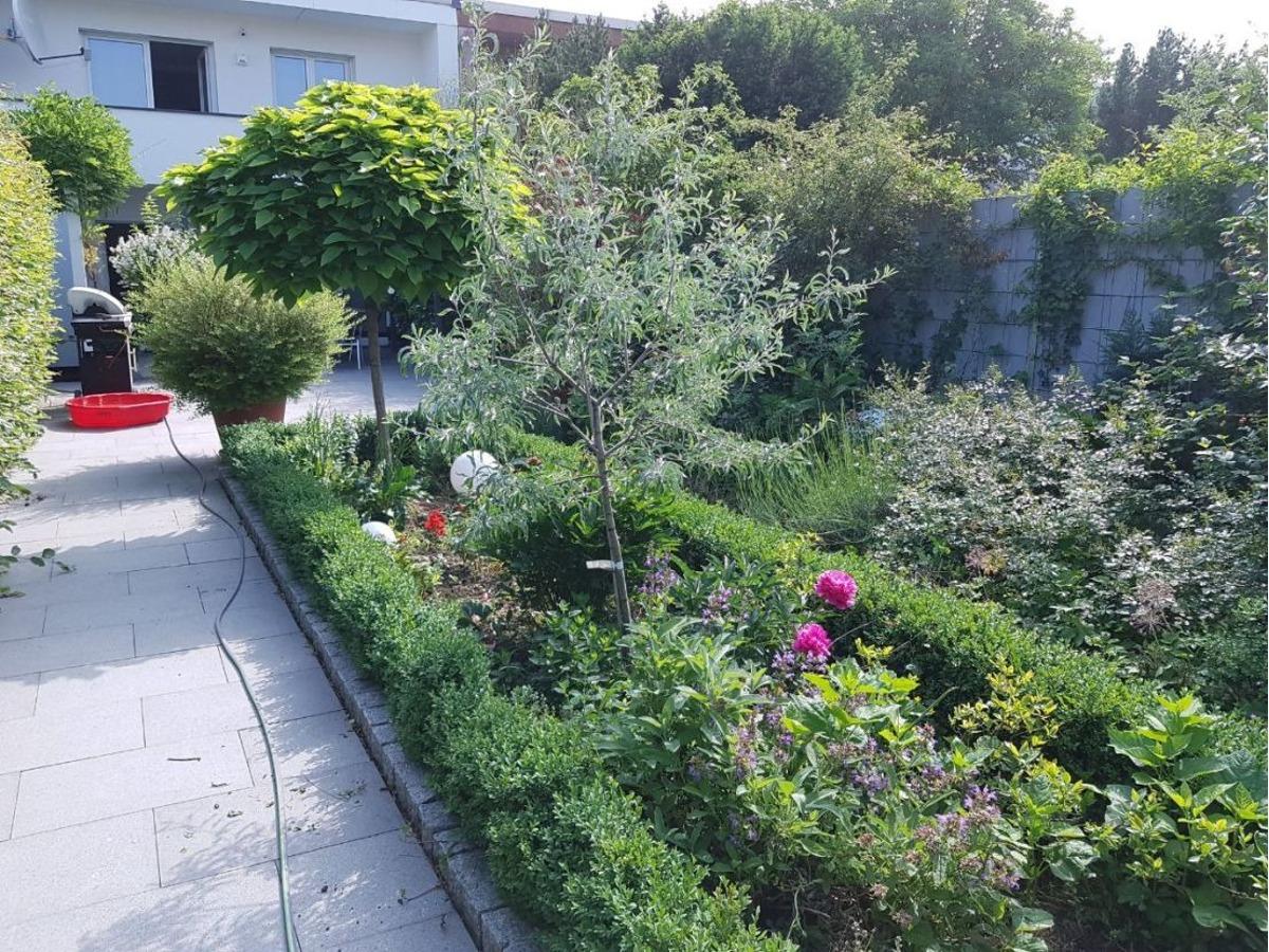 Fassade/Garten