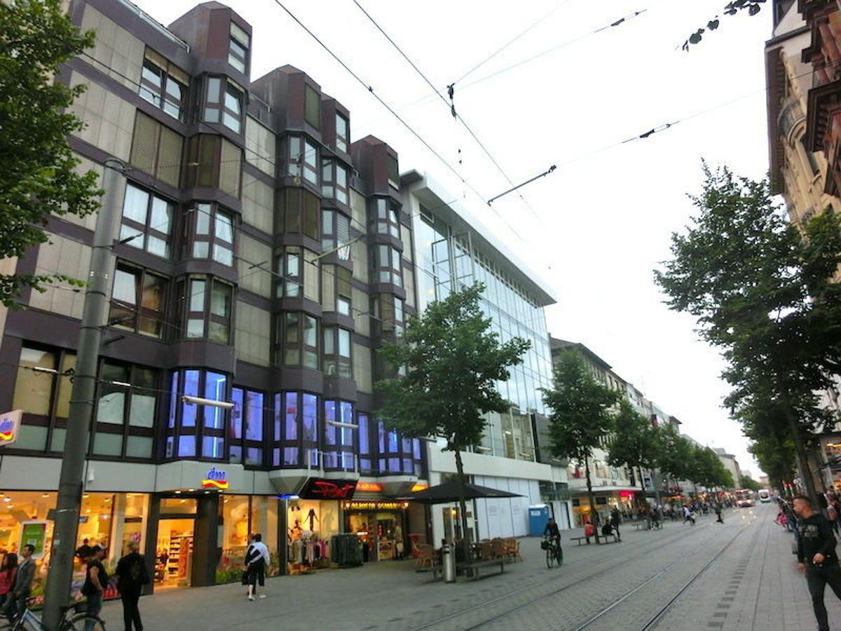 Fassade/Fussgängerzone