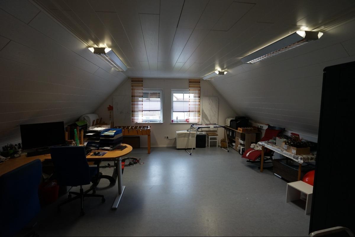ausgebauter Büroraum über der Doppelgarage